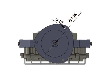 用接线盒或插接装置连接的方式;